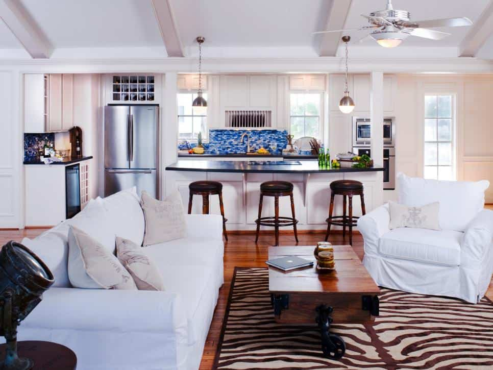 Stunning Decorating A Beach House On A Budget Ideas - Decorating ...