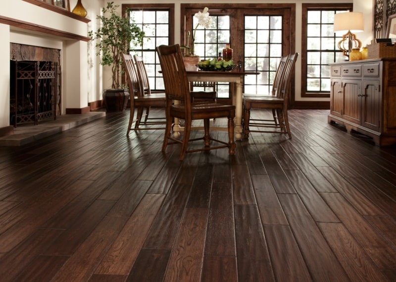 Getting services for hardwood floors