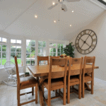 5 Notable Advantages of Using Oak Dining Table at Home