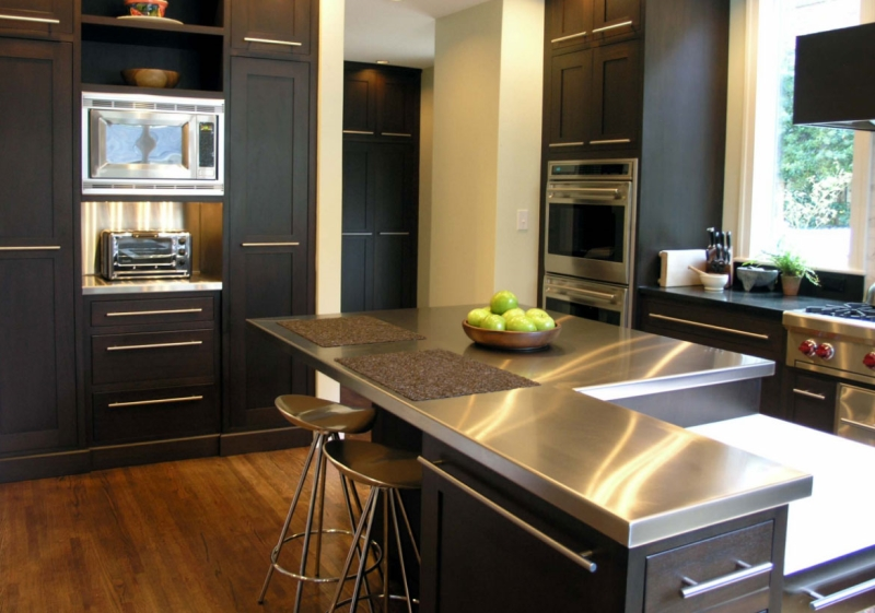 Kitchen Benchtop made of stainless steel