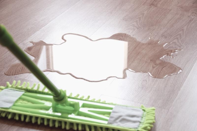 wipe wet floor